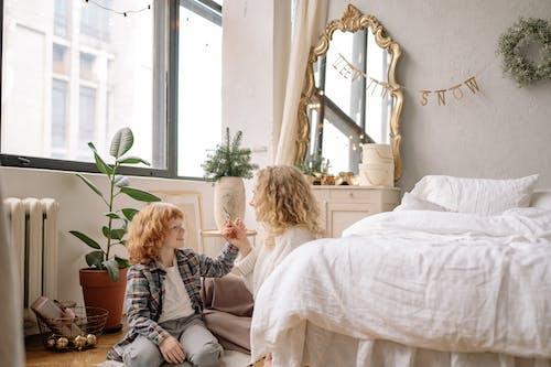 Ingyenes stockfotó ablak, ágy, belsőépítészet, beltéri témában