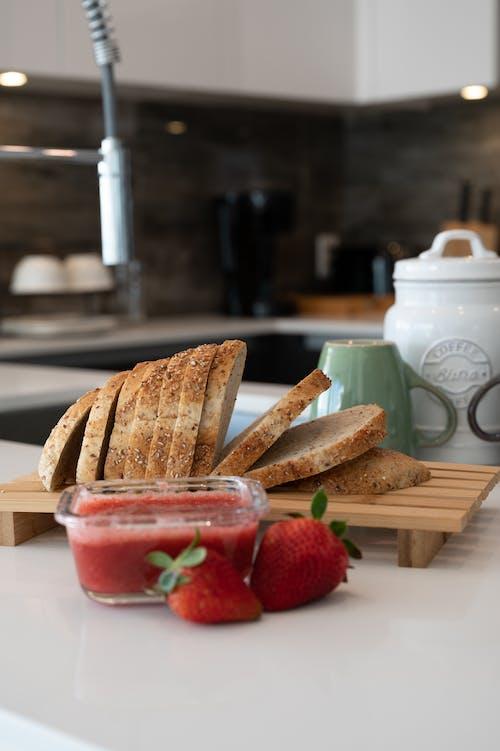 Gratis lagerfoto af håndvask, jordbær, kaffe