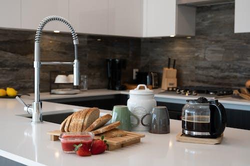 Gratis lagerfoto af håndvask, kaffe, kaffekop
