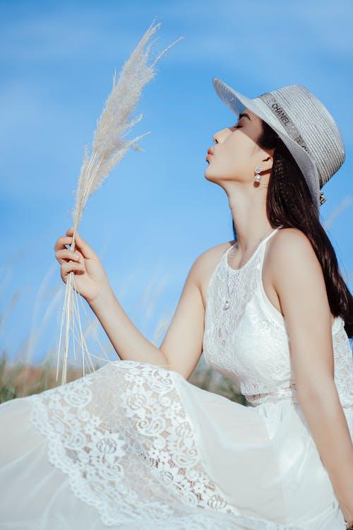 Základová fotografie zdarma na téma asiatka, atraktivní, bílé šaty