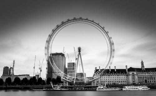 Безкоштовне стокове фото на тему «Англія, будівлі, вода, довга експозиція»