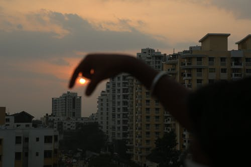 Fotobanka sbezplatnými fotkami na tému večerné slnko