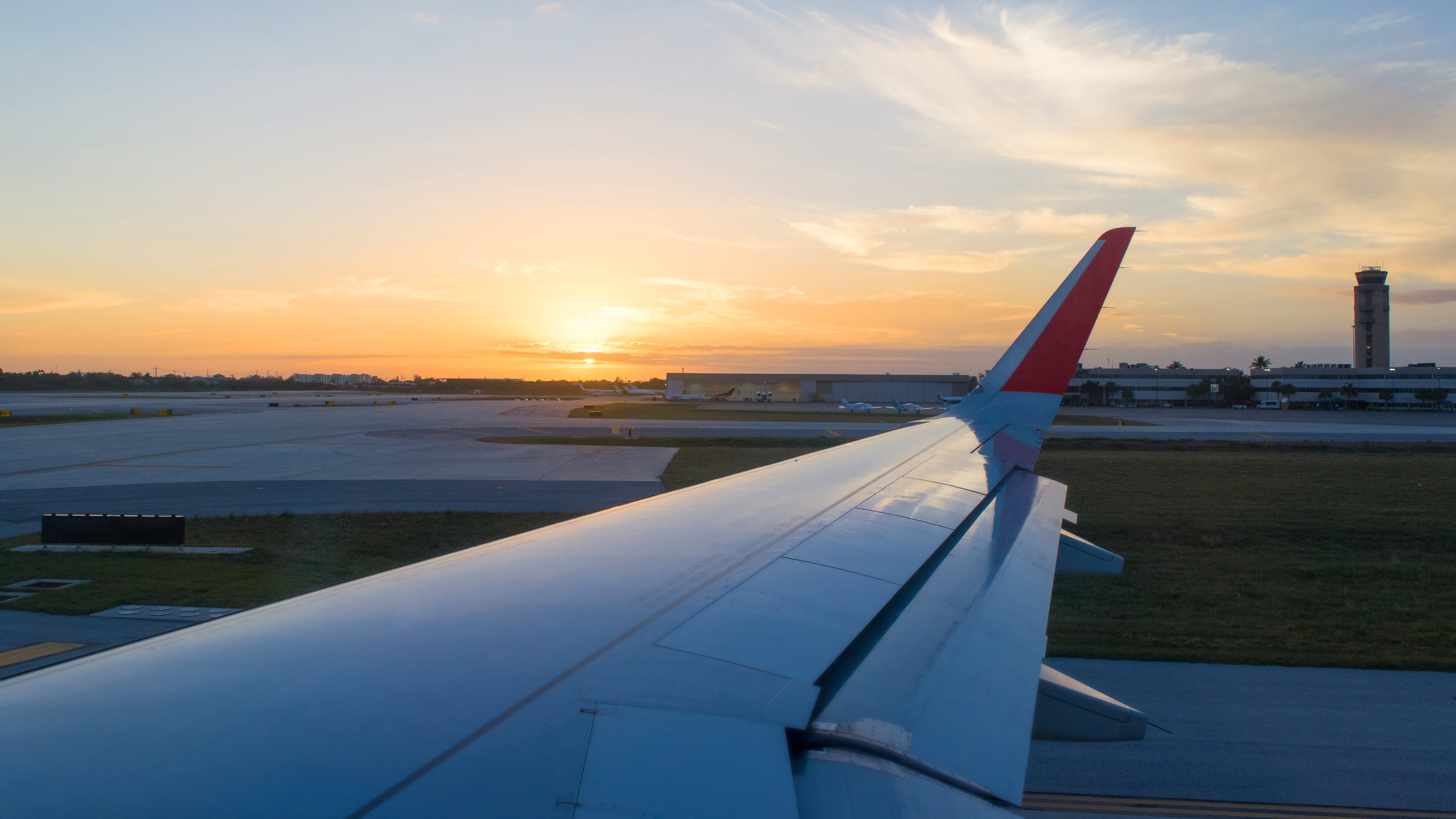 Free stock photo of #airplane, #airport, #fly, #goodbye