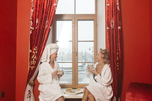 Бесплатное стоковое фото с близость, женщины, завтрак