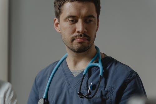 Бесплатное стоковое фото с доктор, крупный план, медицинский работник