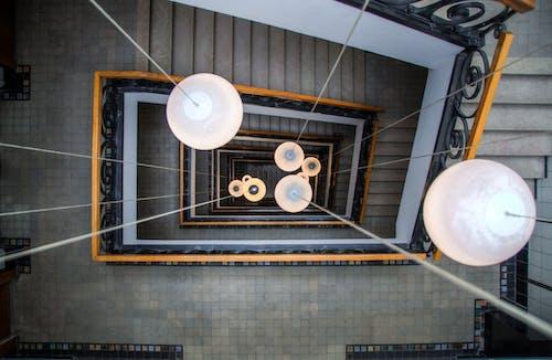 Kostenloses Stock Foto zu beleuchtung, stufen, vogelperspektive