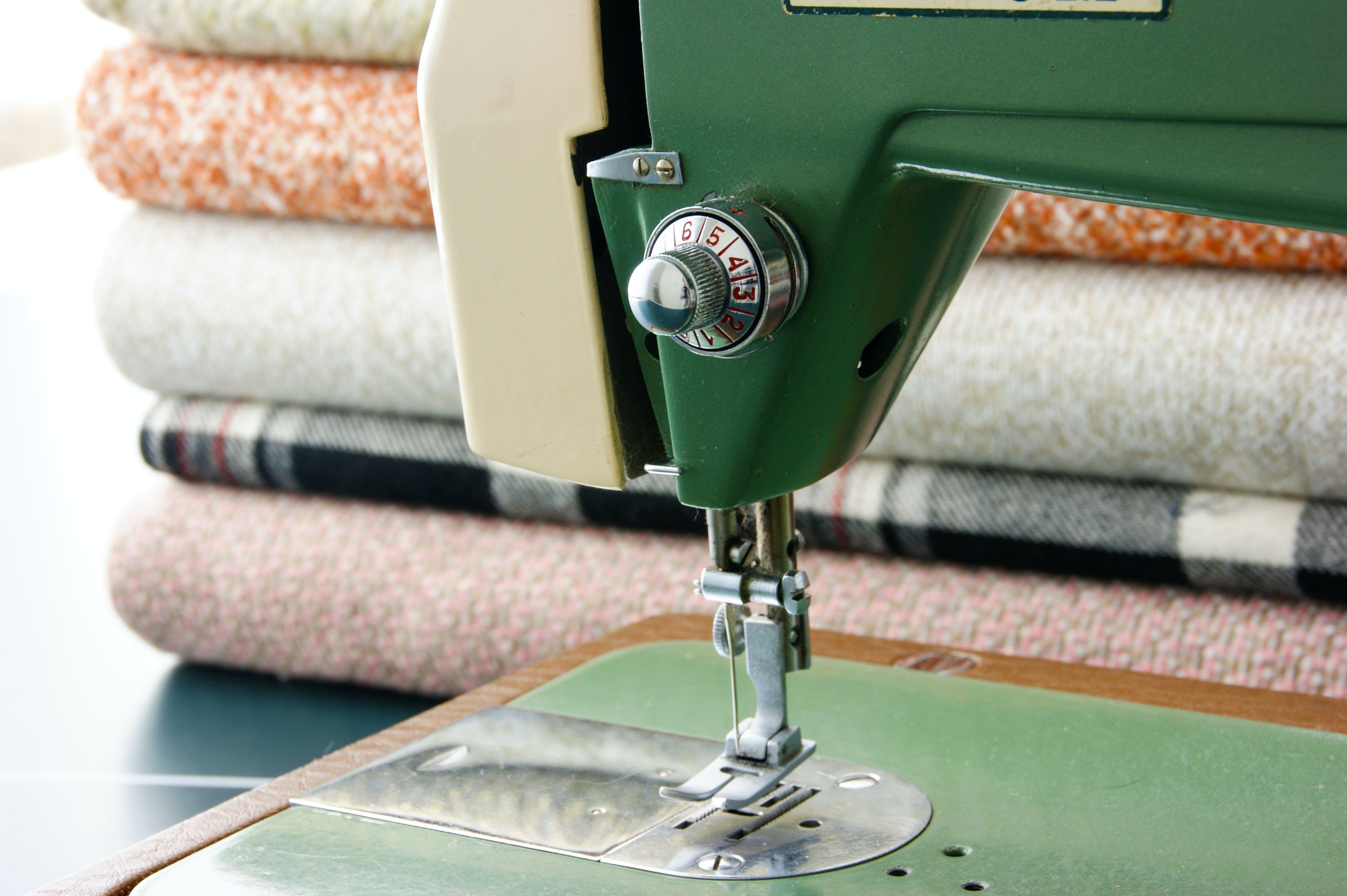 Základová fotografie zdarma na téma marerial, ručně vyrobený, šicí stroj, šití