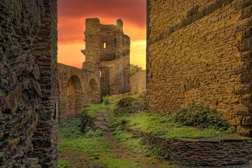 古老的城堡, 岩石, 庭院 的 免费素材图片