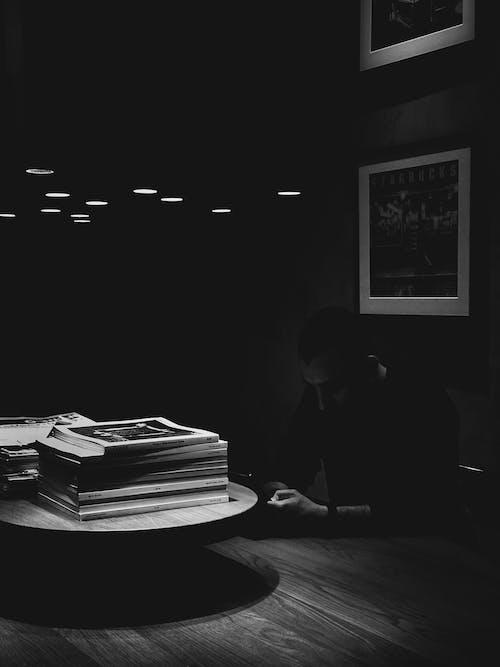 Free stock photo of alone, books, bookshelf, browsing