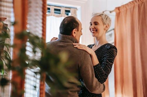 Ilmainen kuvapankkikuva tunnisteilla alhaalta, asunto, aviomies