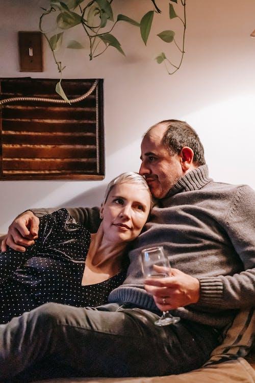 Ilmainen kuvapankkikuva tunnisteilla aikuinen, alkoholi, aviomies