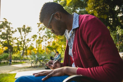 Безкоштовне стокове фото на тему «академічний, афроамериканський чоловік, брати до відома»