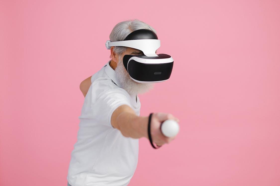 Бесплатное стоковое фото с виртуальная реальность, гарнитура виртуальной реальности, игра