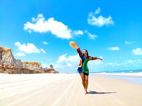 Δωρεάν στοκ φωτογραφιών με 1 άτομο, ακτή, άμμος, αναψυχή