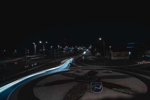 Безкоштовне стокове фото на тему «автомобілі, автомобіль, дорога, легкий»