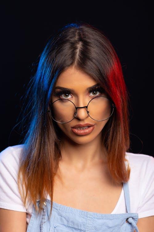 Foto profissional grátis de adolescente, atraente, bonita