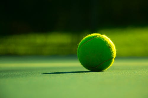 Ilmainen kuvapankkikuva tunnisteilla tenniskenttä, tennispallo, tennispelaaja, tennispeli