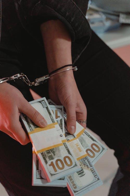 Person Holding 5 Euro Bill