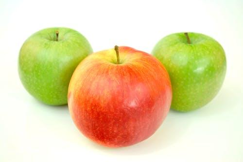 Gratis arkivbilde med epler, frisk, frukt, grønn