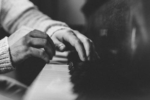 Photos gratuites de clés, échelle des gris, instrument de musique