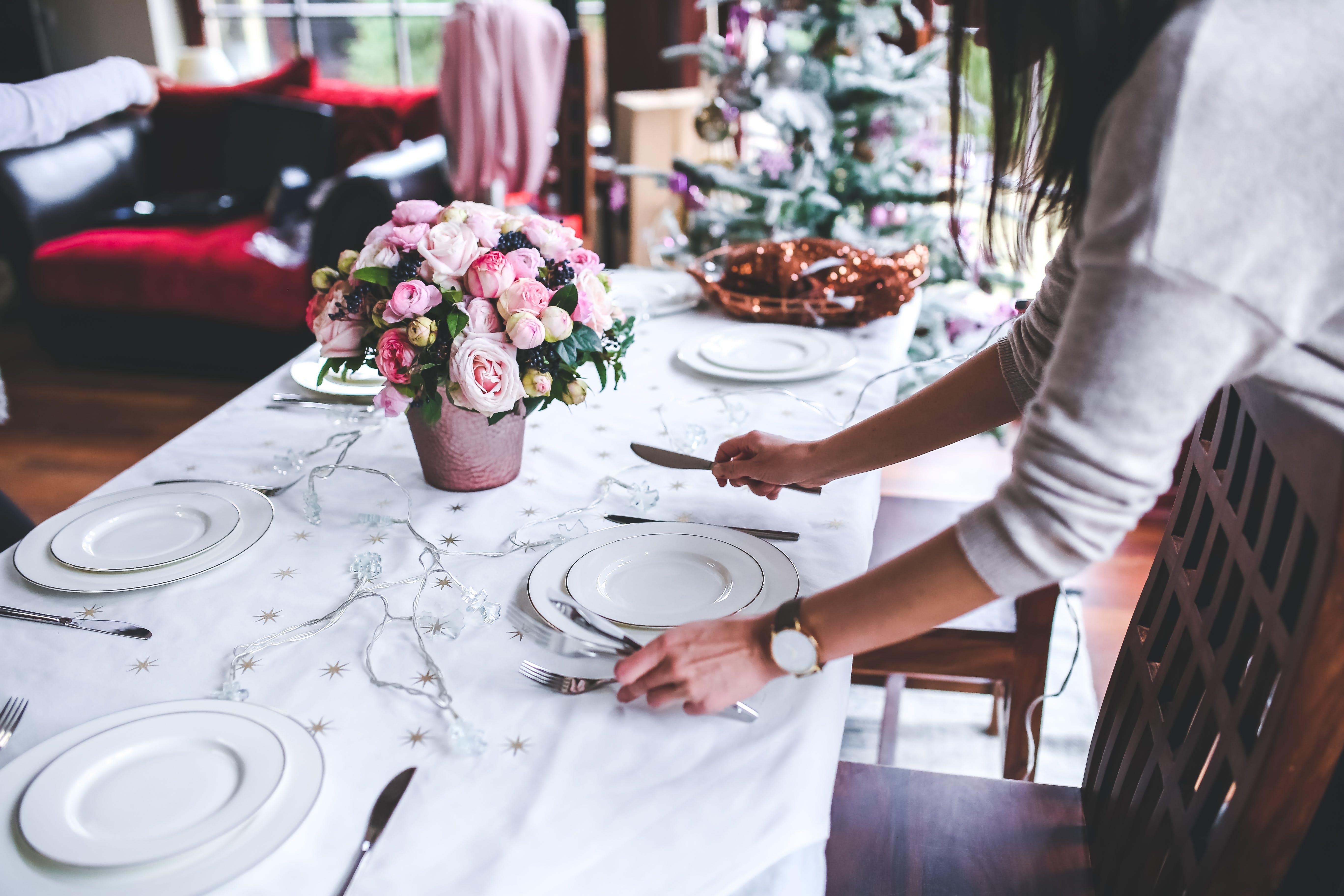 Gratis stockfoto met avondeten, bestek, bloem, bloemen
