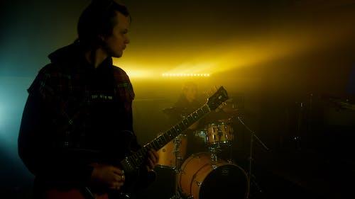 Foto stok gratis alat-alat musik, bermain, drum