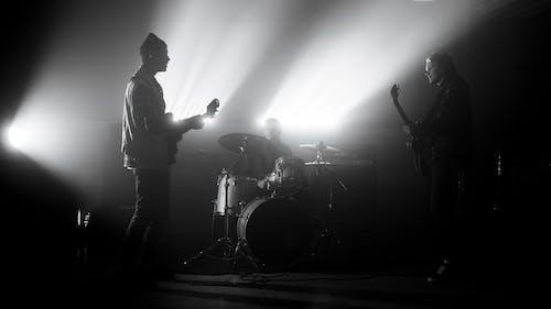 Δωρεάν στοκ φωτογραφιών με ασπρόμαυρο, κιθάρα, κλίμακα του γκρι