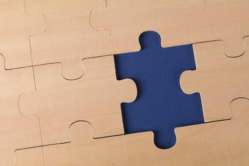 Fotos de stock gratuitas de fondo azul oscuro, puzle, rompecabezas
