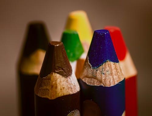 Gratis lagerfoto af blyant, farveblyant, farver