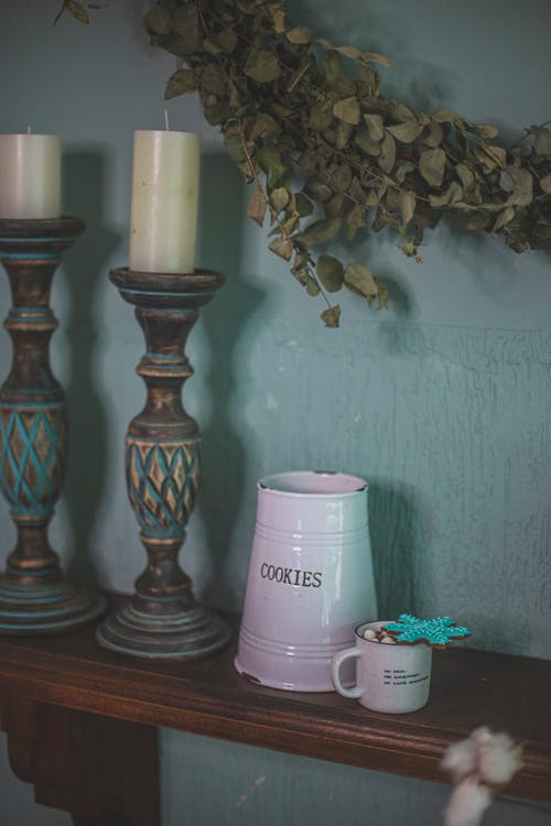 Gratis arkivbilde med antikk, bord, container