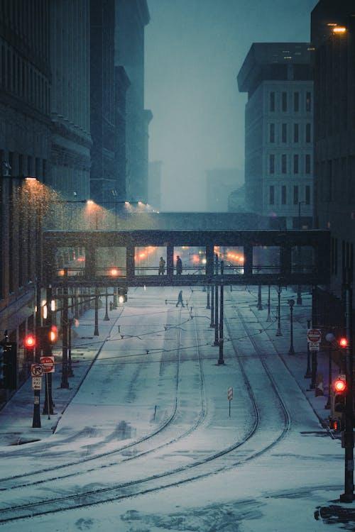 Fotos de stock gratuitas de ciudad, clima frío, edificios