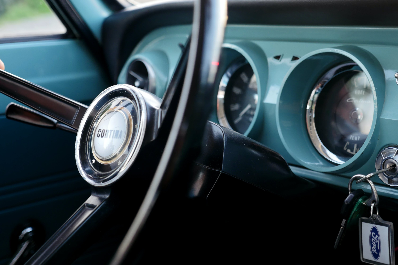 Kostenloses Stock Foto zu armaturenbrett, auto, autoinnenraum, automobil