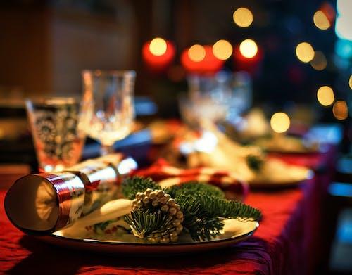 Бесплатное стоковое фото с вечеринка, вино, горящая свеча