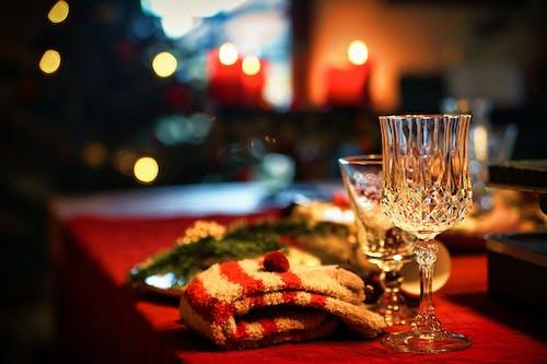 Бесплатное стоковое фото с в помещении, вино, горящая свеча