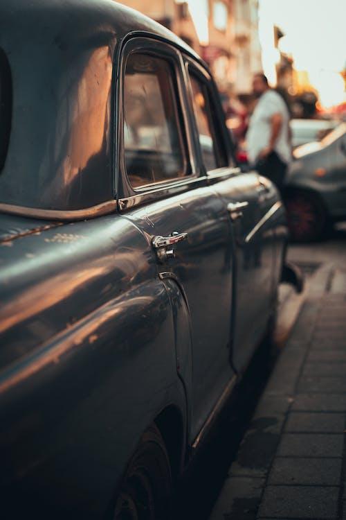 Ingyenes stockfotó autó, autózás, chrome, emberek témában