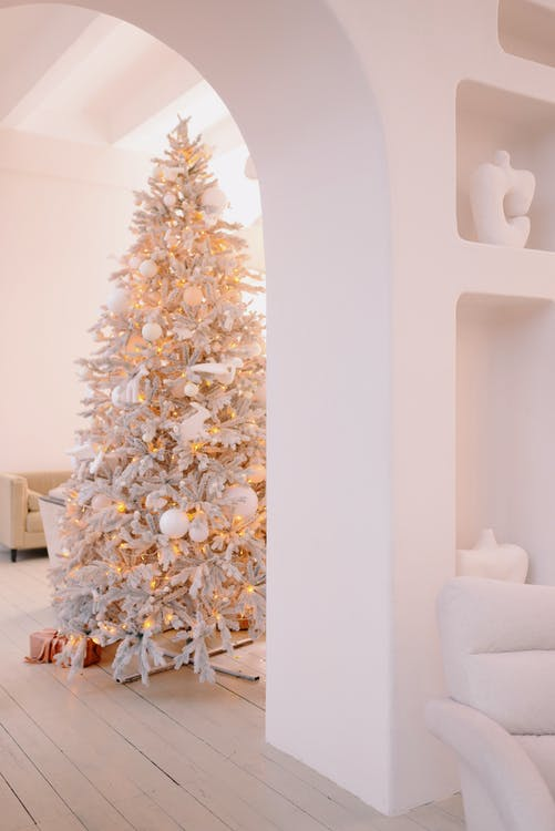 White and Gold Christmas Tree - Preparing For Christmas