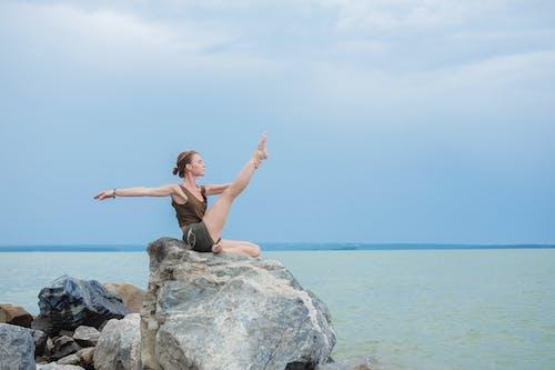 Безкоштовне стокове фото на тему «асана, баланс, безтурботний»