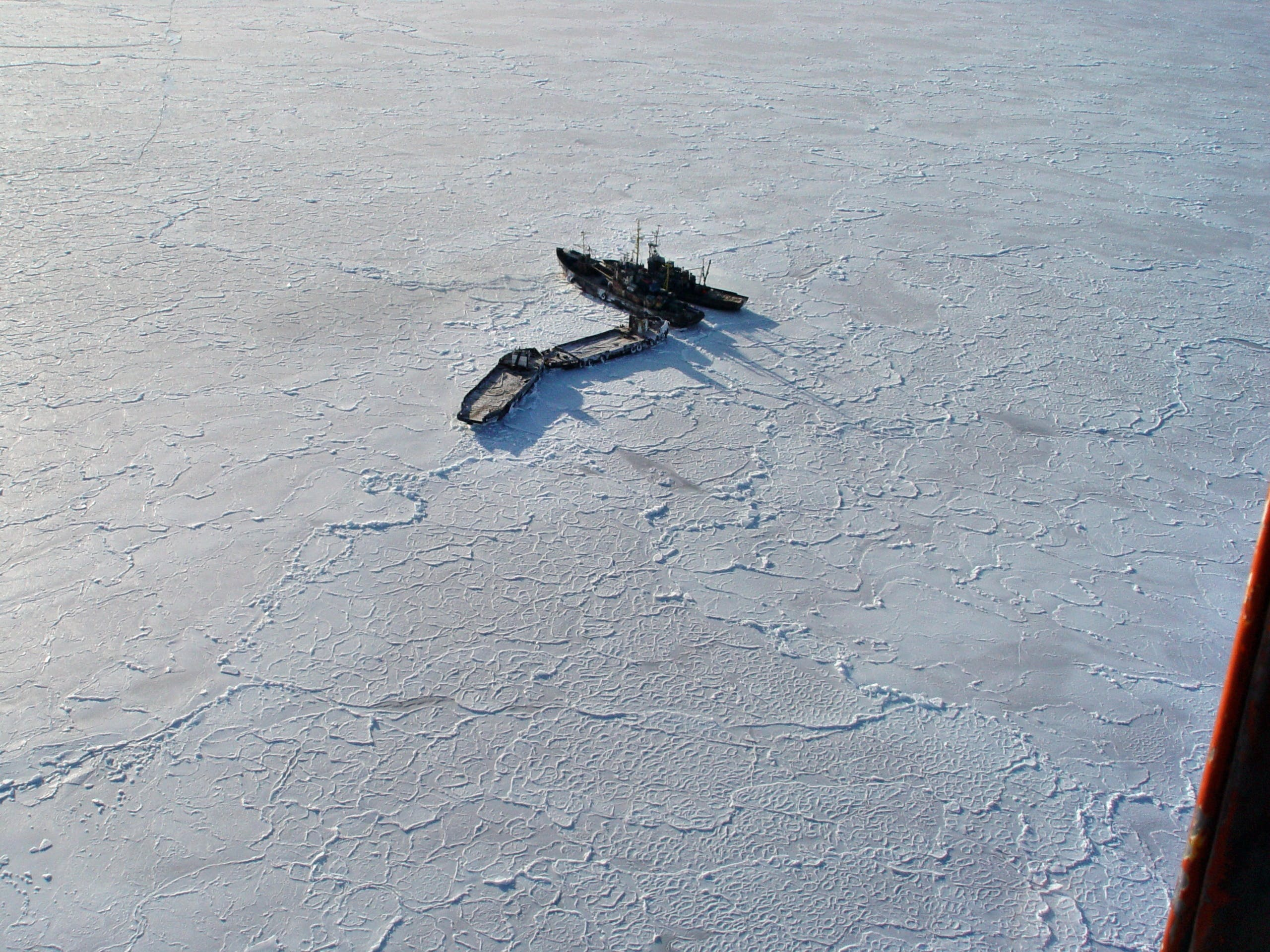 Free stock photo of Jammed in the ice