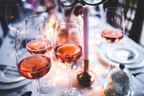 晚間, 晚餐, 玫瑰酒, 眼鏡 的 免费素材照片