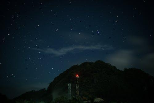Kostenloses Stock Foto zu astronomie, baum, berg