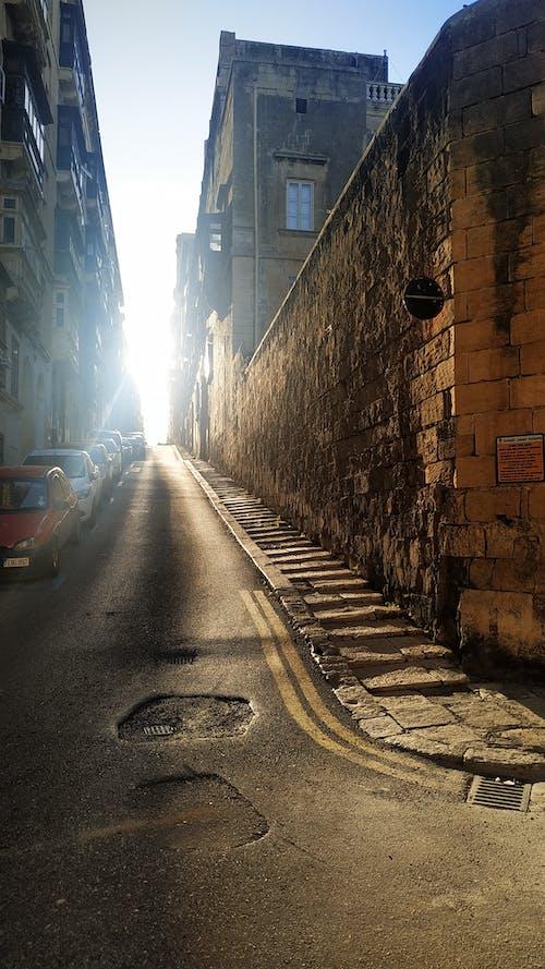 Kostenloses Stock Foto zu rustikal, street, sunset