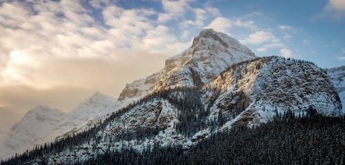 Gratis lagerfoto af bjerge, bjergtinde, bjergtop, dagslys
