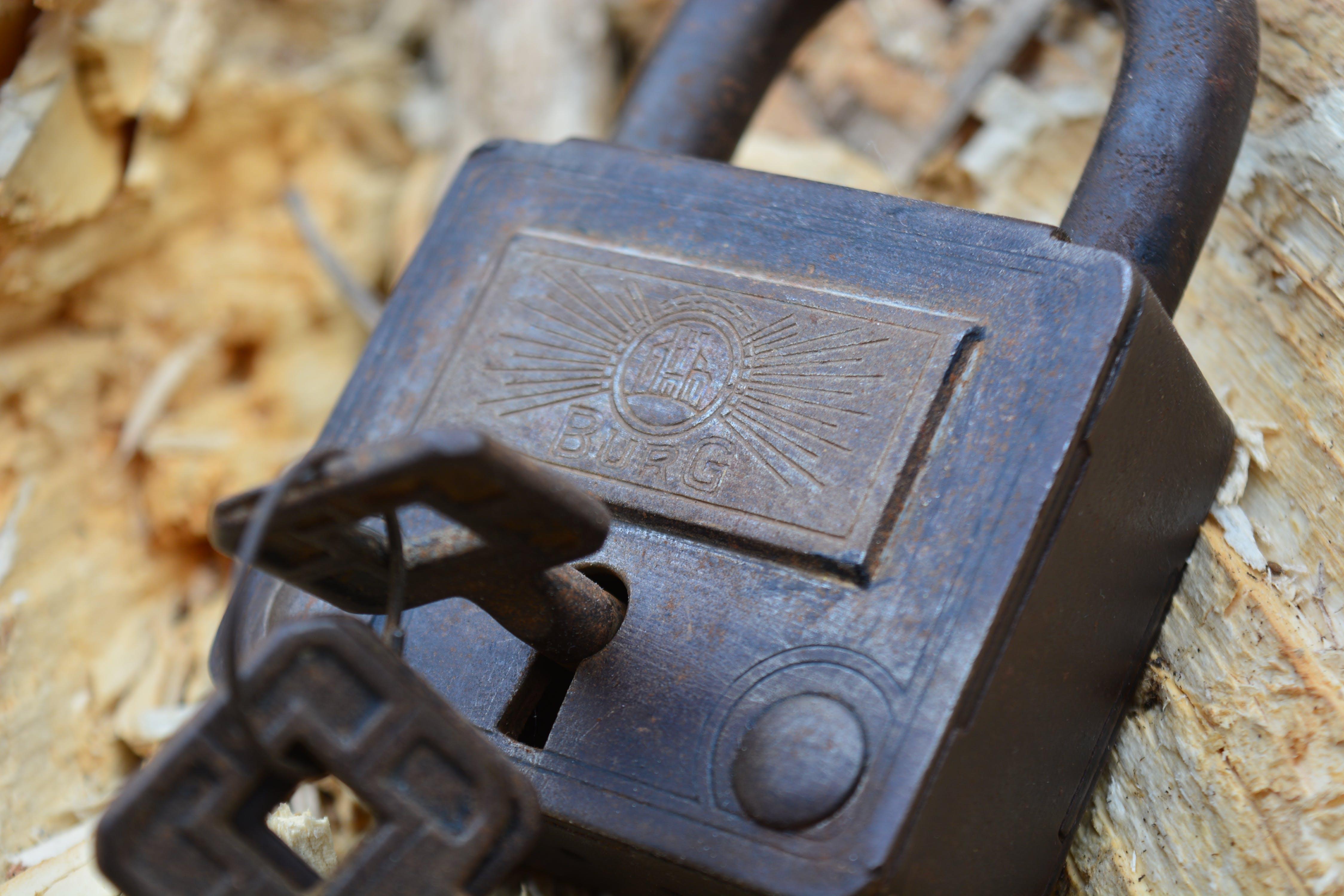 Free stock photo of antique, brass, chain lock, key