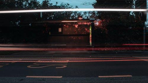 คลังภาพถ่ายฟรี ของ การเปิดรับแสงนาน, ป้ายรถเมล์, สายไฟ