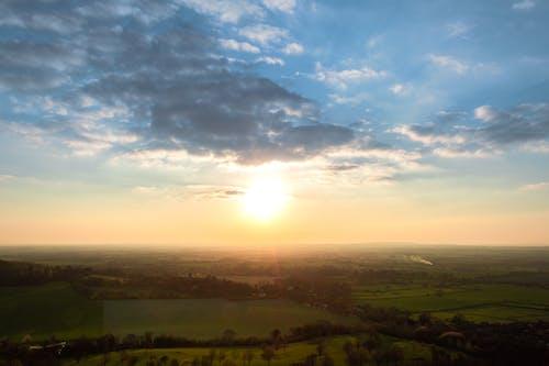 คลังภาพถ่ายฟรี ของ ที่ดินเพื่อเกษตรกรรม, พระอาทิตย์ตกที่สวยงาม, หมู่บ้าน