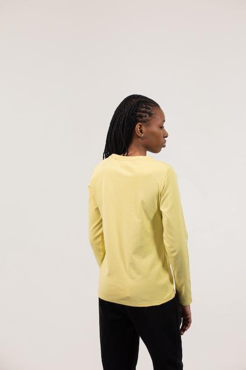Fotobanka sbezplatnými fotkami na tému Afroameričanka, biele pozadie, blúzka