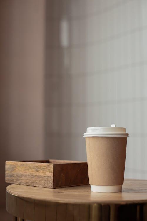Kostnadsfri bild av bord, bricka, kaffekopp