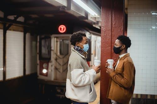 Gratis stockfoto met afhalen, afro-amerikaanse mannen, afscheid