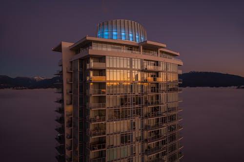 Gratis lagerfoto af altaner, balkon, bjerge