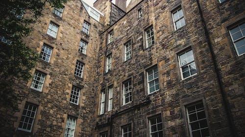 Gratis stockfoto met appartementen, architectuur, buitenkant, daglicht